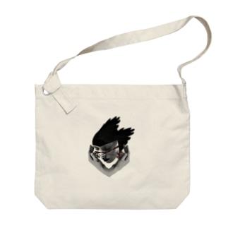 道端で干からびた女の抜け殻 Big shoulder bags