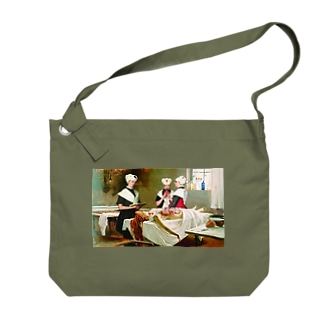 Three girls in the morgue Big shoulder bags