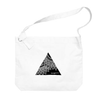 sankaku Big shoulder bags