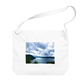 ウラマシュー Big shoulder bags