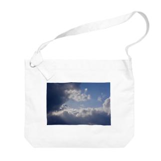 雲 Big shoulder bags