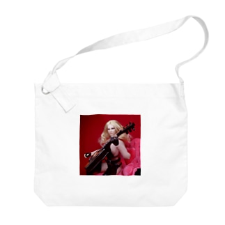 FUCHSGOLDのドール写真:ギターを弾くブロンドの美少女 Doll picture: Blonde girl with a guitar Big shoulder bags