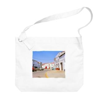 スペイン:村の昼下がり Spain: view of a village Big shoulder bags