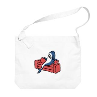 態度がデカいサメ Big shoulder bags