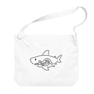 ヒトを食べたサメ Big shoulder bags