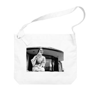 ぷはぁっ Big shoulder bags