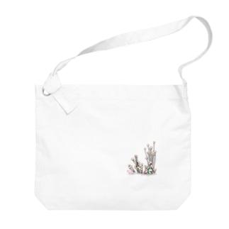 小さなおみやげやさん(SUZURI支店)のきのこと小人と時々カエル(えのき茸) Big shoulder bags