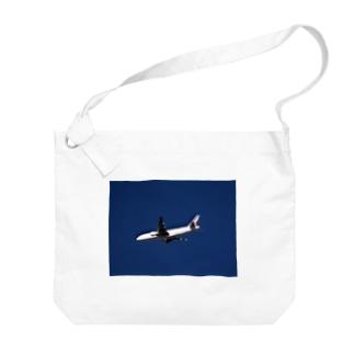 旅客機:ボーイング777 Boeing 777 ? Big shoulder bags