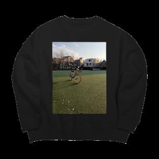 SZUKIのグリーンフィールド Big silhouette sweats