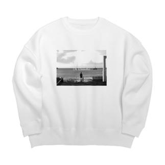 海沿い Big silhouette sweats