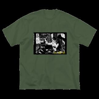 有坂愛海ショップのLIVE YOUR LIFE  Big silhouette T-shirts