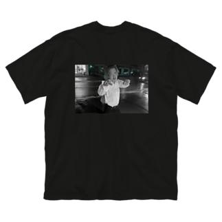 Tsukuのかいせいくん Big silhouette T-shirts