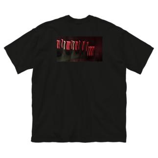 夜コインランドリー Big silhouette T-shirts