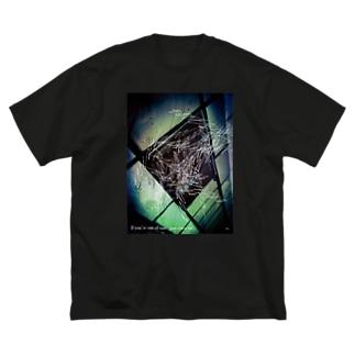 仲間外れ Big silhouette T-shirts