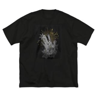 星に手を伸ばす Big silhouette T-shirts