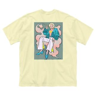 🚬 Big silhouette T-shirts