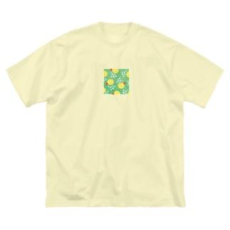 クリームソーダっぽい水玉(真四角) Big silhouette T-shirts