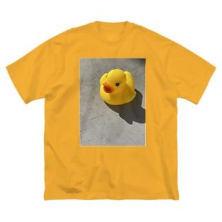 ヒヨコさん Big silhouette T-shirts