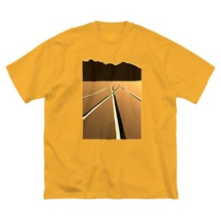 P地点から Big silhouette T-shirts