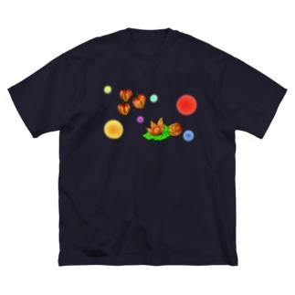 ホオズキ 水玉パターン Big silhouette T-shirts