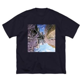 桜降る川空へ。 Big T-shirts