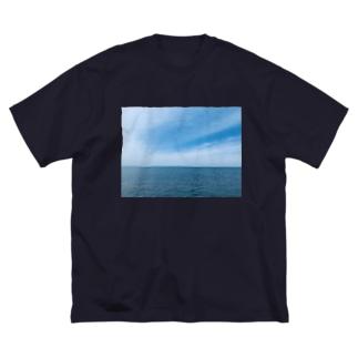 真玉海岸 Big silhouette T-shirts