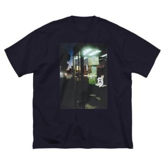 夜、公衆電話で Big silhouette T-shirts
