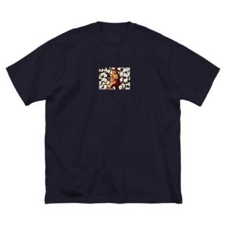 かねもちくん Big silhouette T-shirts