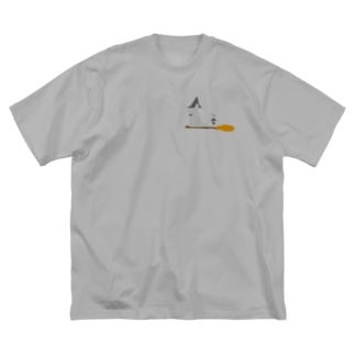 ちょぼろうSHOPのとんがり帽子猫(箒ランプ) Big silhouette T-shirts