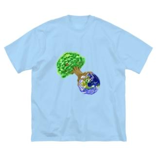 南天玉露の店の世界樹地球 Big silhouette T-shirts