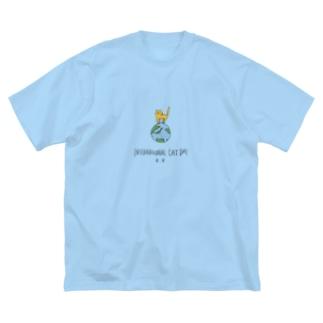 世界猫の日 Big silhouette T-shirts