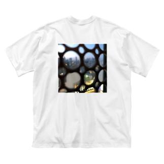 どこかのスタバからの景色 Big silhouette T-shirts
