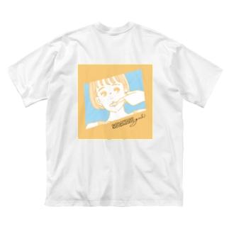 そばかすガールyellow Big silhouette T-shirts