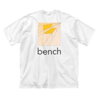 bench-t-back-print Big silhouette T-shirts