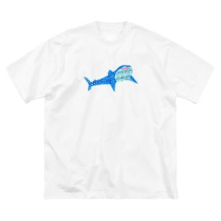 にっこりジンベイザメ Big silhouette T-shirts