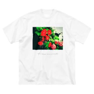 Red roses Big silhouette T-shirts