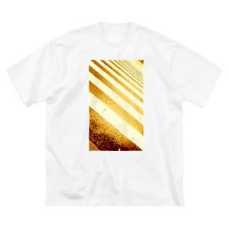 「 いつか本気出す 」の「 いつか 」はいつなんですか?  Big silhouette T-shirts