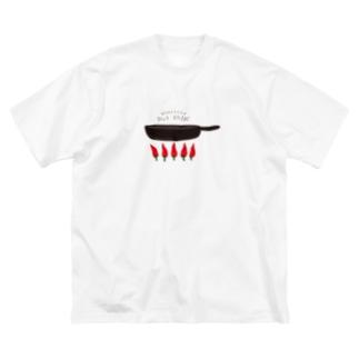 ホットウガラシ Big silhouette T-shirts