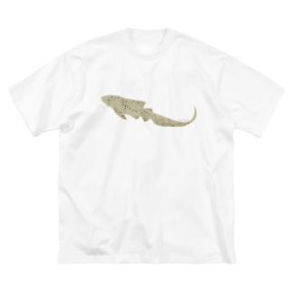ひょっこりトラフザメさん Big silhouette T-shirts
