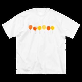 つきしょっぷの黄色い風船 Big silhouette T-shirts