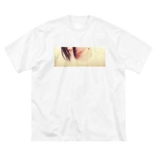 古春一生(Koharu Issey)の物云わぬ吻。 Big silhouette T-shirts