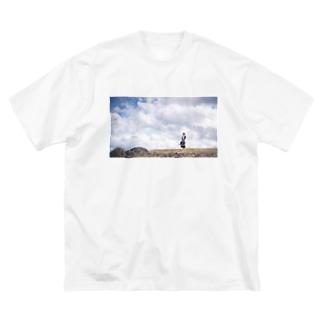 旅するメイドさんと空 Big silhouette T-shirts