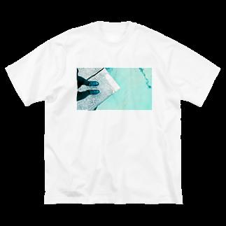 古春一生(Koharu Issey)の今日じゃない。(靴と海) Big silhouette T-shirts