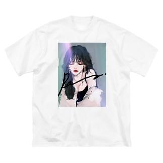 GIRL FRIEND Big silhouette T-shirts