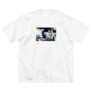 しんかいくん Big silhouette T-shirts