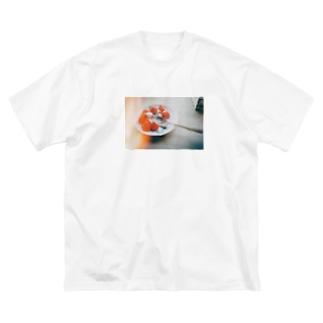 感光ストロベリー Big silhouette T-shirts