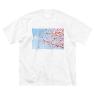 観覧車と桜。 Big silhouette T-shirts