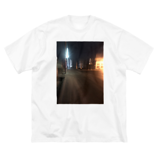 tomoy124の夜景ⅰ Big silhouette T-shirts