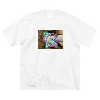 ネオンP Big silhouette T-shirts