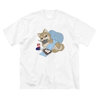 休日の柴犬 Big silhouette T-shirts